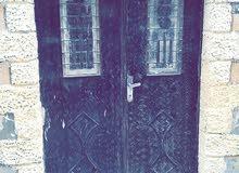 للبيع بيت يتكون من 4شقق في الزرقااء(حي برخ) بمساحات مختلفه مع دخل شهري وسنوي