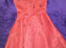 فستان مستعمل استعمال نظيف