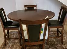 للبيع طاولة طعام مع اربع كراسي / كبت صغير / طاولة تلفزيون