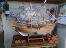 سفن خشبيه لها طابع ومظهر جميل الطول 70 سم الى250 سم وفيه مختلف الاحجام ع رغبه ال