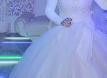 فستان زفاف اوف وايت استعمال مره واحده للبيع