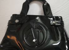Used Hand Bags at an irresistible price for sale
