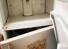 ثلاجة مستعملة  تبريد تحت ممتاز - فريزر ثلج تحتاج واحد مفصلات للباب 150 ريال لسرعة البيع