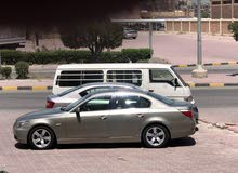 البيع BMW حجم525 موديل 2005  السياره مكينه وقيروشاصي فحص. مكيف + جديد.