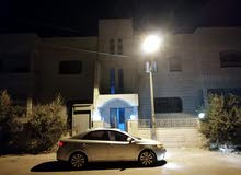 شقتين للبيع في الزرقاء واد الحجر بالقرب من مدرسة معاوية شارع عامر بن بكير