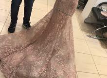 فستان خطوبه للبيع بحاله ممتازة وبسعر مغري