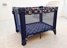 سرير أطفال ماركة graco+عربة أطفال مجانا.