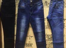 جينزات تركي اللون اخر 3 قطع اللون الاسود والازرق والزيتوني سعرهم 21 وبيهن مجال