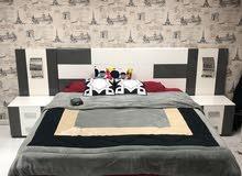 سرير مع الفراش + تسريحه + درجين