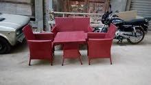 13 طقم راتان الطقم يتكون من 2 كرسي و كنبة و طرابيزة