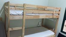 سرير من ايكيا قليل الاستعمال بطابقين