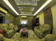 شقة طابقيه للبيع مساحة 398 متر مربع في اجمل موقع مطل في مدينة الفحيص