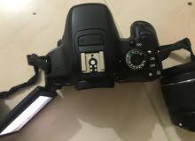 كاميرا كانون 650D نظيف واستعمال شخصي