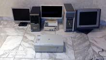 ثلاثة أجهزة كمبيوتر مع طابعة وكافة مستلزماتها  للبيع