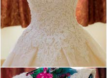 فستان تم استخدامه مره واحده فقط وتم تفصيله ب450 يال
