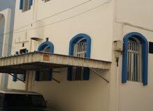 للبيع بيت استثماري في المحرق مؤجر 550 دينار ، 2 متر كهرباء منفصلين