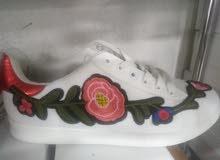 حذاء نسائي جديد للبيع