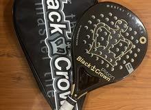 مضرب بادل من شركة Black Crown.