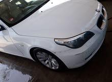 بي ام 520 موديل 2010 كوبرا اللون ابيض ماشية 137000 سيارة الوكيل فل كاملة