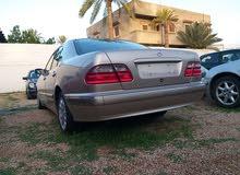 مرسيدسE200 موديل 2002