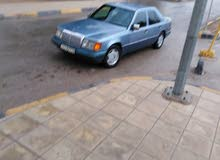 Used condition Mercedes Benz E 200 1986 with 0 km mileage