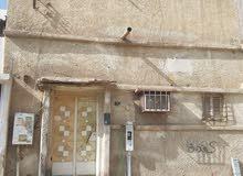 بيت مسلح للبيع في حي عتيقة