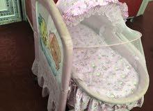 سرير طفل هزاز مع ملحق إضافي او كريكوت