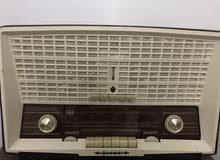 راديو موديل قديم شغال وبحاله ممتازة
