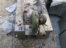 يوجد مكينة عداد 2 شورما مع مكينة التقطيع كهرباء +بروستد