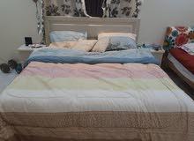 للبيع غرفة نوم (سرير 180 + دولاب +كنبة ايكيا تفتح سرير )