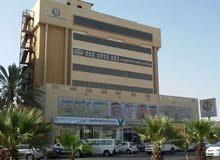 محل للايجار على طريق الملك خالد