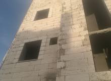عماره أربعة طوابق تحت التشطيب المشيرفة نزول جامع الحجر مقابل مدرسه الامام الشافع