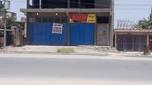 محل للايجار يقع على شارع الورديه مباشرة و واجهته 10م والنزال20م