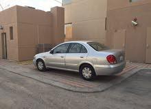 للبيع سيارة نيسان صنى 2004