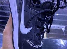 أحذية رياضية بأشكال مختلفة و كل المقاسات موجوده