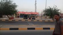 مجمع تجاري علا طريق البحر الميت سويمه مكون من 5 مخازن للبيع
