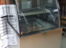 ثلاجة عرض للبيع مستخدم خمسة اشهر فقط 700 * 680 * 1200 سم