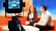 دورات في الالقاء و الصوت و فن الحوار و اعداد مذيع و مراسل للتلفزيون و الاذاعة