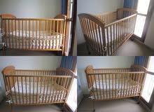 سرير من بيبي شوب مستخدم كم شهر للعمر شهورر ل4 سنوات لون بني