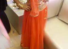 فستان وساري هندي علما بأن الواحد ب 20 جديد لبسة واحدة فقط