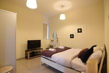 دبي مارينا غرفة وصالة مفروشة سوبر لوكس مع بلكونة- ايجار شهري شامل