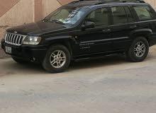 سياره جيب شروكي جراند موديل 2004 بحاله جيده لا تحتاج شي