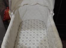 سرير اطفال ماركة جونيور بحالة ممتازة جدا
