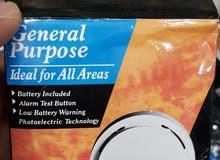 جهاز الانذار عن الدخان و الحرائق يعمل بالبطارية