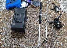 سنارات صيد عدد2 مع صندوق يحتوي على كل اغراض الصيد