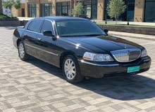 Black Lincoln Town Car 2011 for sale