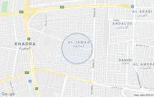 قطعة ارض للبيع مساحة 300 متر واجهه 10 متر نزال 30 متر تقع في