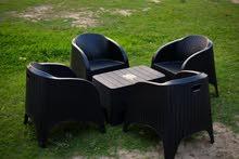 طقم الهضبة  مكون من عدد 4 كراسي + ترابيزه 50*80 الكرسي رتان بلاستيك صب