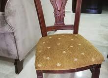 طاولة سفرة 8 مقاعد زان ولاتيه بحالة جيدة