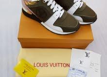 حذاء رياضي من لويس فيتون